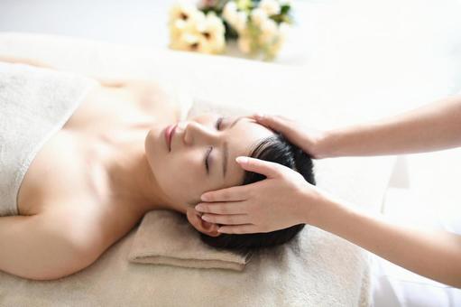 女性によくある髪の悩みを改善する方法